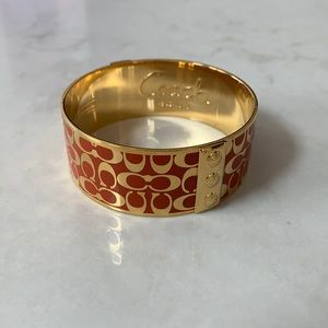 NWOT Coach Logo Enamel Bangle Bracelet